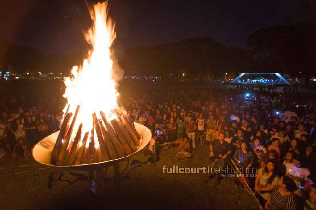 UP-fighting-maroons-bonfire-2014-uaap-season-77 (2)