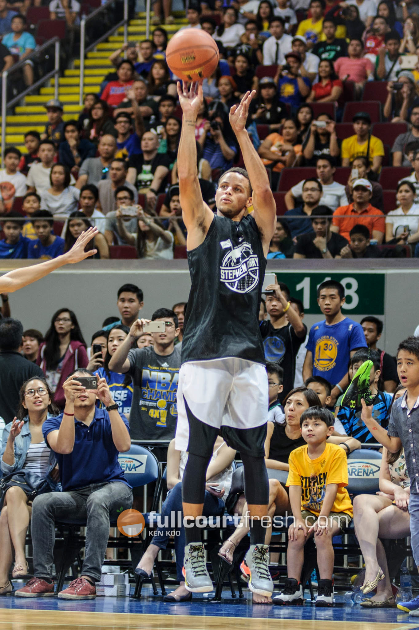 stephen-curry-manila-underarmour-roadshow (7)